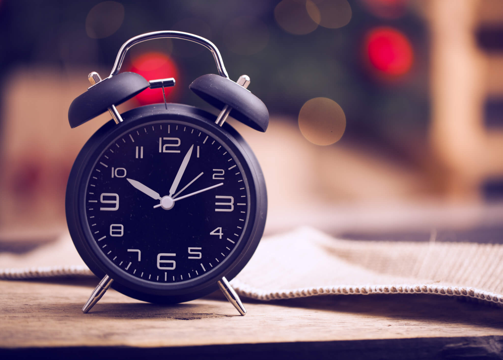 Best Alarm Clocks for People who are Deaf and Hard of ...